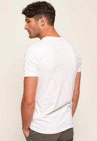 Superdry - VINTAGE  - T-shirt basic - weiß - 2