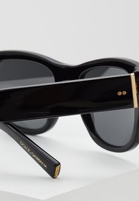 Dolce&Gabbana - Sunglasses - black/grey - 4