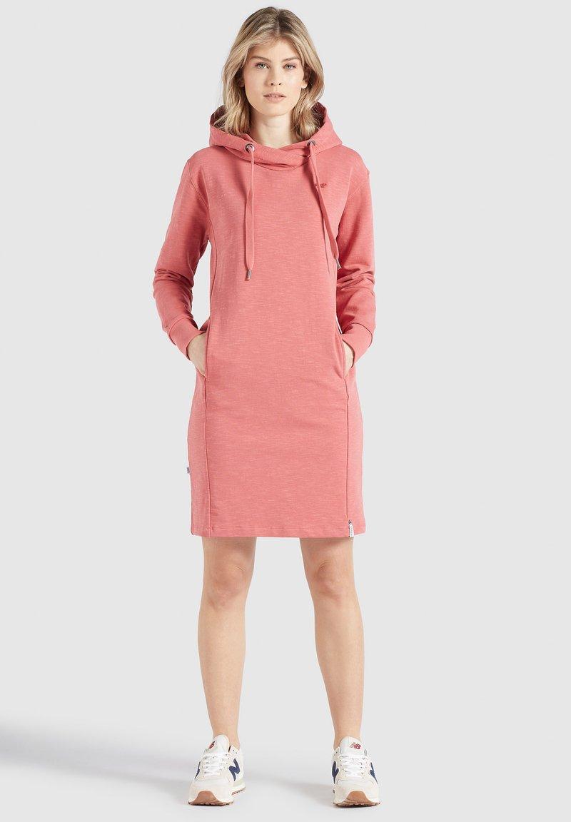 khujo - HALOUMA - Day dress - rosa