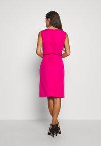J.CREW PETITE - SPRING SHOWERS DRESS BISTRETCH  - Etui-jurk - soft fuchsia - 2