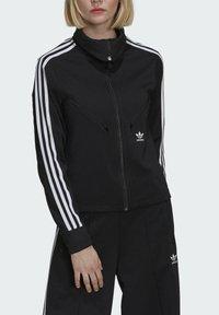 adidas Originals - ORIGINALS PRIMEBLUE TRACK SLIM - Giacca sportiva - black - 3