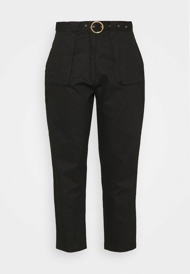 BELT DETAIL TROUSER - Pantaloni - black