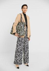 By Malene Birger - LEO TOTE - Shopping bag - ultramarine - 1