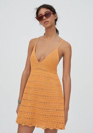 Sukienka dzianinowa - orange