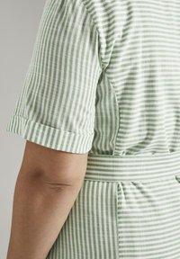 MY TRUE ME TOM TAILOR - EASY SLUB STRIPE DRESS - Day dress - light green white stripe - 4