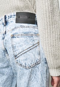 Just Cavalli - PANTALONE - Džíny Straight Fit - blue denim - 3