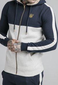 SIKSILK - CUT AND SEW BORG ZIPTHROUGH HOODIE - Zip-up hoodie - navy/snow - 4