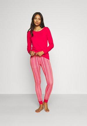 Pyjamas - cherry red