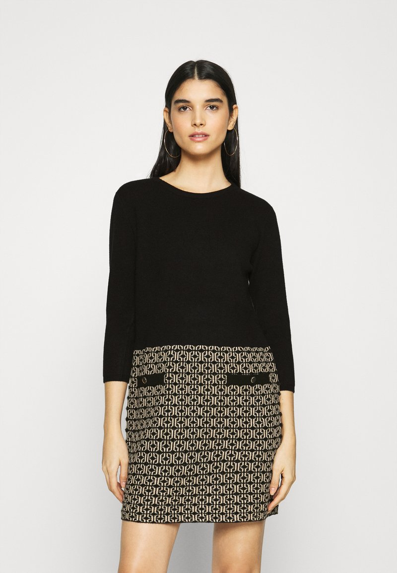 Morgan - Strikket kjole - jaquard dore