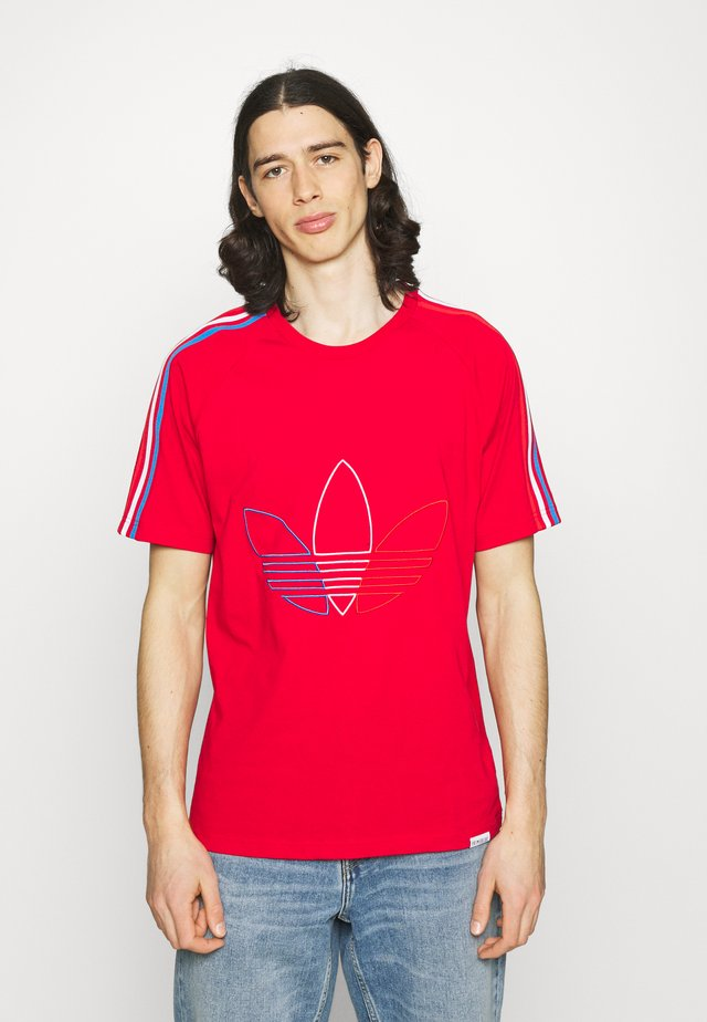 FTO ADICOLOR PRIMEBLUE - T-shirt con stampa - scarlet