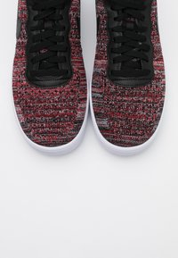Nike Sportswear - AIR FORCE FLYKNIT  - Trainers - university red/black/wolf grey/white - 4