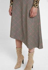 Soyaconcept - BAYAN - Maxi skirt - black - 4