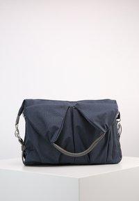 Lässig - NECKLINE BAG SPIN DYE - Borsa fasciatoio - blue mélange - 3