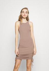4th & Reckless - MEGAN DRESS - Vestido ligero - mocha - 0