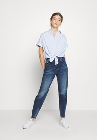 Tommy Jeans - STRIPE KNOT BLOUSE - Button-down blouse - white/moderate blue - 1