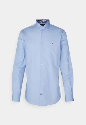 SOLID SLIM SHIRT - Formal shirt - light blue
