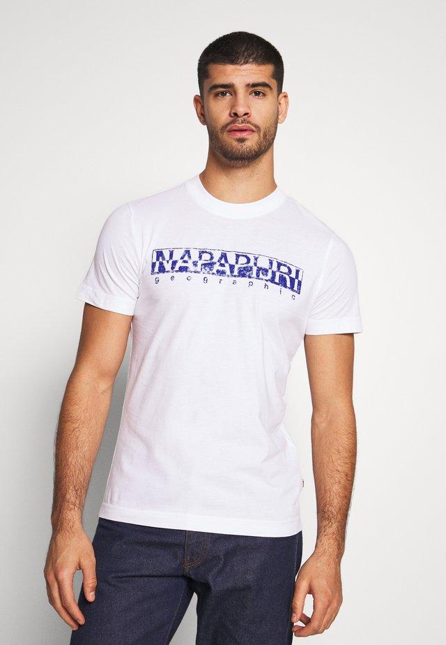 SOLANOS - Print T-shirt - bright white