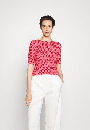 JUDY ELBOW SLEEVE - T-shirt print - bright hibiscus/ white