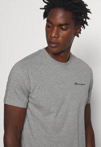 Champion - LEGACY CREWNECK - Basic T-shirt - dark grey - 4