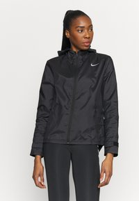 Nike Performance - ESSENTIAL JACKET - Běžecká bunda - black - 0