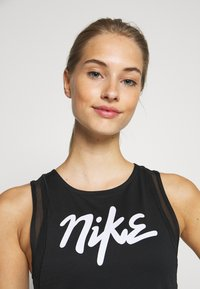 Nike Performance - TANK RUNWAY - Camiseta de deporte - black - 4