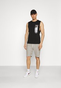 Solid - STEVE - Shorts - insignia blue - 1