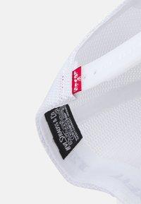 Levi's® - WOMEN'S BASEBALL - Kšiltovka - regular white - 4