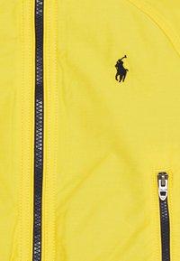 Polo Ralph Lauren - PORTAGE OUTERWEAR JACKET - Vinterjakker - chrome yellow - 2