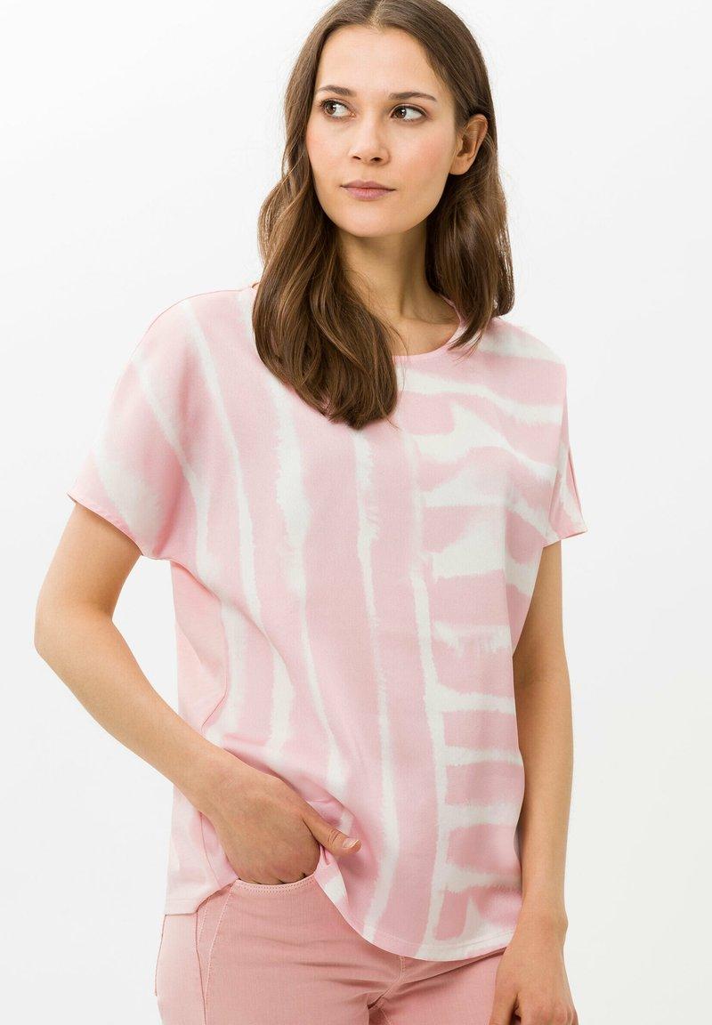BRAX - STYLE CAELEN - Print T-shirt - rose