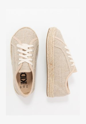LACE UP - Casual snøresko - natural/silver