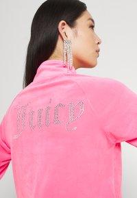 Juicy Couture - TANYA TRACK - Sweater met rits - fluro pink - 3