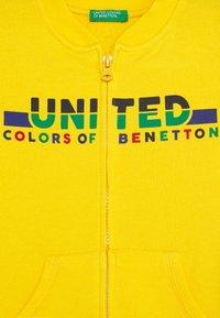Benetton - Hoodie met rits - yellow - 2