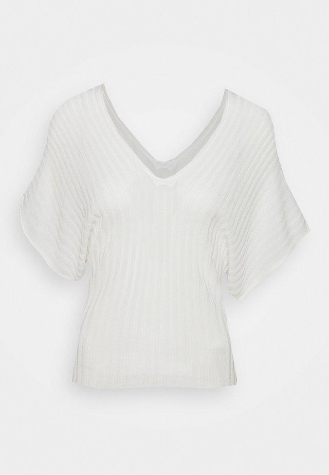 PROFILO - T-shirts - white