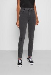 Noisy May - NMCALLIE BREAK - Jeans Skinny Fit - grey denim - 0