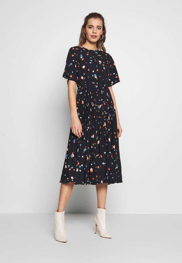 PLEATED SLEEVE DRESS - Day dress - black