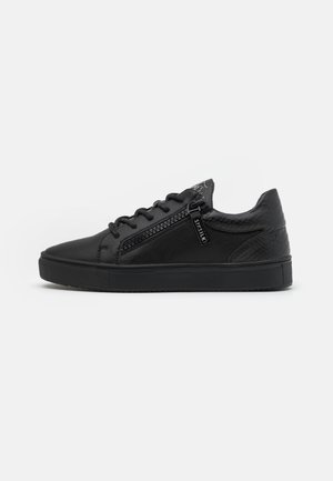 LEGACY ANACONDA - Trainers - black