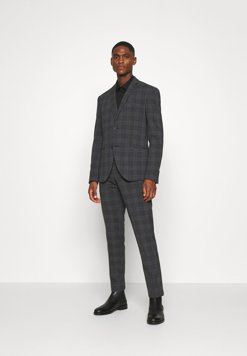 Isaac Dewhirst - BOLD CHECK 3PCS SUIT - Suit - dark blue