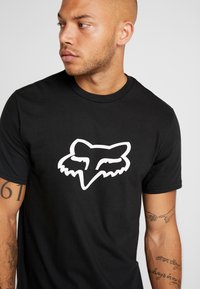 Fox Racing - LEGACY HEAD TEE - Print T-shirt - black - 4