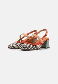 Chie Mihara - VOYAGE - Classic heels - mei/rosa/freya fango - 2