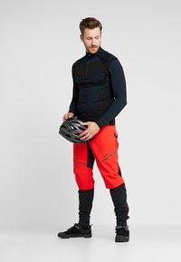 Vaude - MENS VIRT PANTS II - Outdoor trousers - mars red - 1
