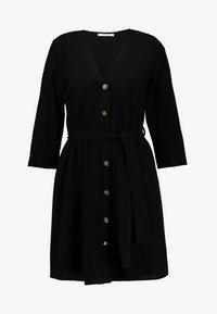 Pieces - PCESMO 3/4 SLEEVE DRESS - Robe chemise - black - 4