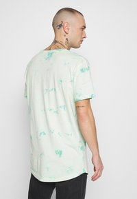Cayler & Sons - MIND CONTROL ROUNDED TEE - Print T-shirt - mint/white - 2