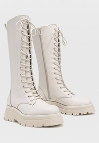 Stradivarius - Lace-up boots - off-white - 3