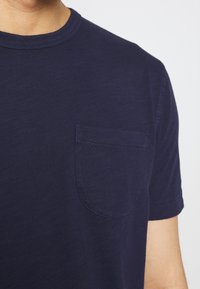 YMC You Must Create - WILD ONES POCKET TEE - Basic T-shirt - navy - 5