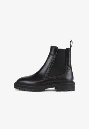 DOWNTOWN HIKER  - Kotníkové boty - black