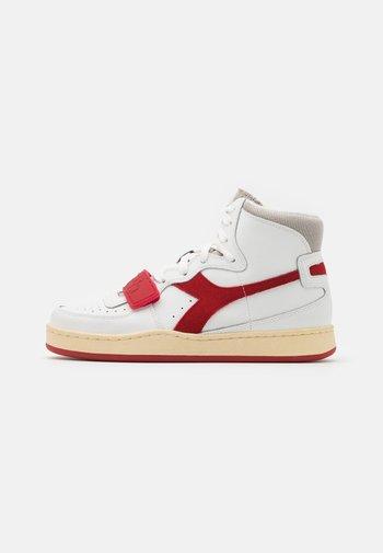 MI BASKET USED UNISEX - Zapatillas altas - white/dark red