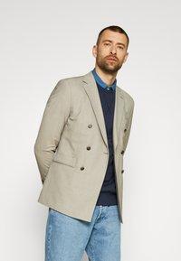 Selected Homme - SLHJASON CREW NECK - Sweatshirt - navy blazer - 5