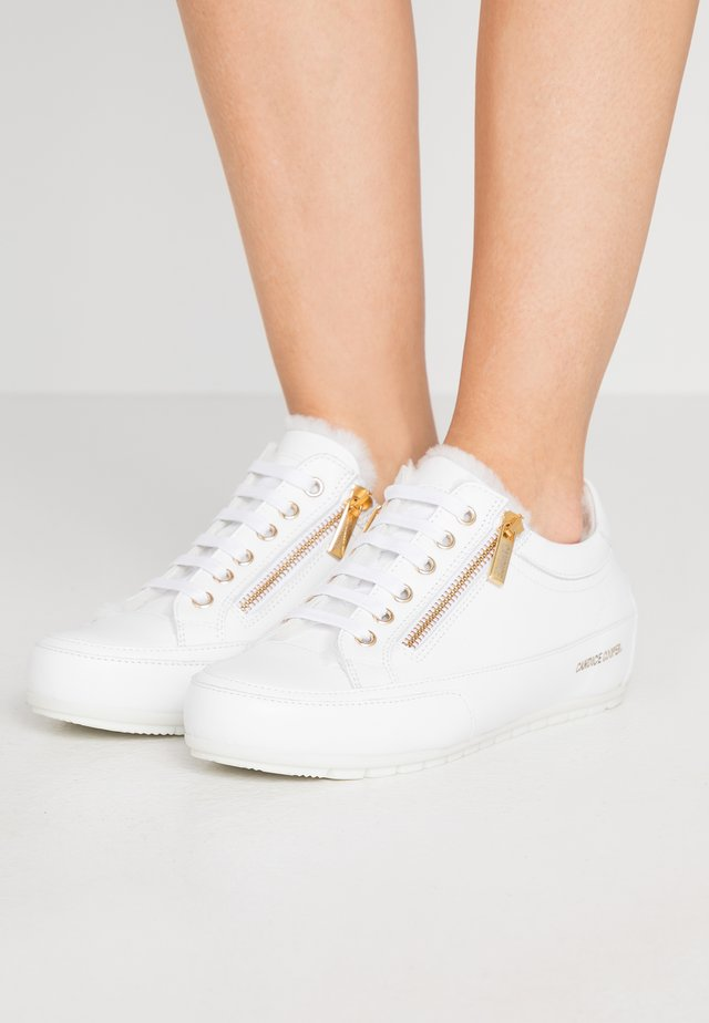 ROCK DELUX ZIP - Trainers - bianco/gold