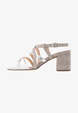 PAVA - Sandals - weiß/grau/silber