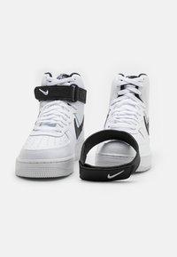 Nike Sportswear - AIR FORCE 1 HIGH '07  - Baskets montantes - white/black - 5